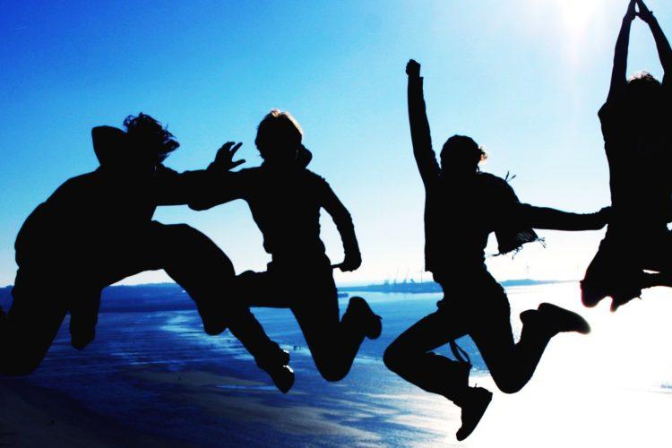 Migliorare la vita sociale: 10 abitudini da perdere subito