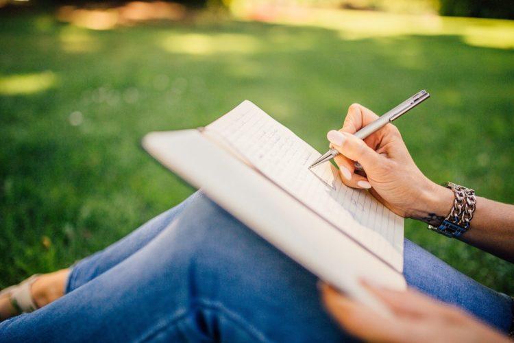 Scrivere per stare meglio: il potere terapeutico della scrittura