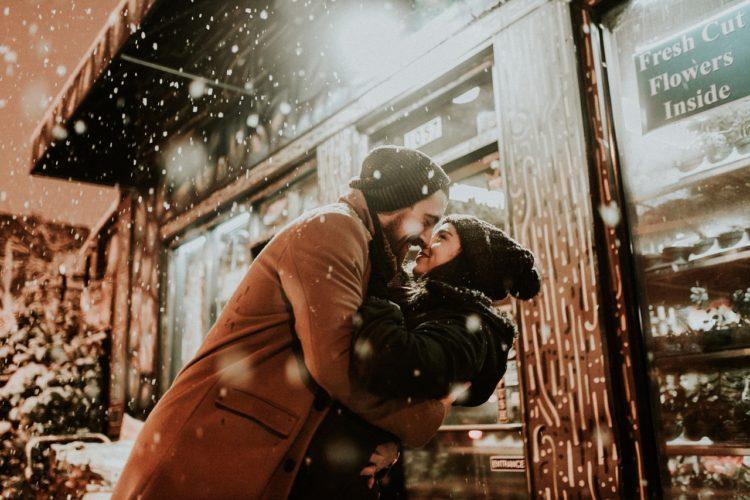 Mantenere viva la passione in una relazione stabile... in 5 passi