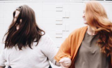 Ti senti bisognosa e dipendente nelle relazioni? Ecco come uscirne.
