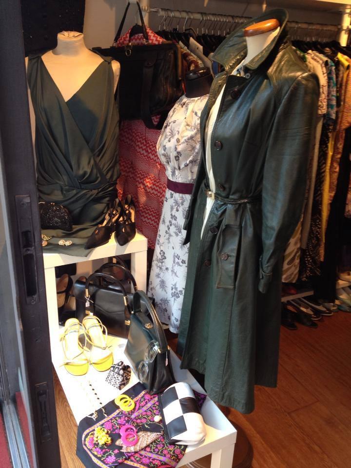 Shopping vintage a milano alcuni indirizzi che devi costellazione - Lo specchio di alice milano ...