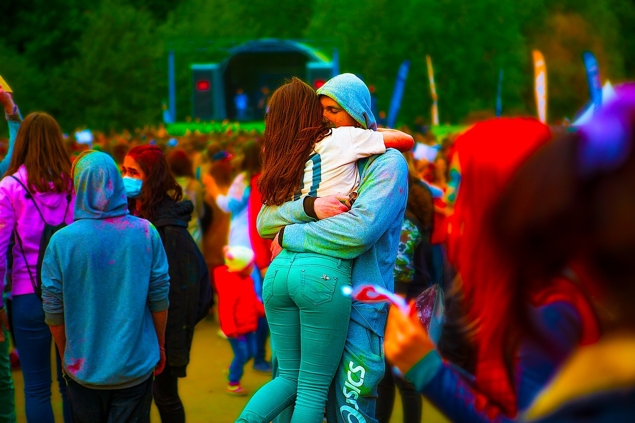 the-festival-of-colors-2382213_1280